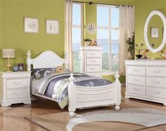 Classique White Wood Twin Bed