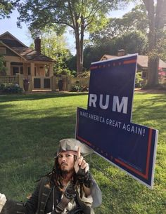 xRUMx - Captain Jack Sparrow says, Vote RUM ~ Make America great again! Captain Jack Sparrow, Jack Sparrow Funny, Funny Memes, Hilarious, Funniest Memes, Dc Movies, Pirates Of The Caribbean, Just For Laughs, Narnia
