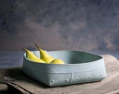 FreeFoldingContemporary Handmade Ceramic Studio Glazed Ceramic, Ceramic Bowls, Modern Fruit Bowl, Fruit Dishes, Fruit Party, New Fruit, Modern Shop, Pottery Bowls, Pottery Ideas