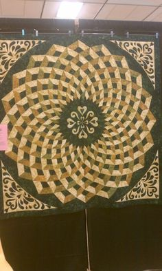 I SO want to make this quilt! Pattern in Bella Bella Quilts by Norah McMeeking