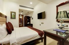Lords Hotels & Resorts, Lords Eco Inn Jayanagar, Lal Bagh Botanical Garden, restaurant Blue Coriander, P.R. Bansal,  religious destinations