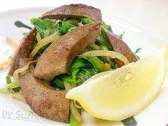 「スタミナ回復は豚レバーのレバニラで!」気温30度! エアコンが欲しい蒸し暑い日には、夕食でスタミナ回復をしましょう(^0^)/レモンを添えてあっさり酸っぱさ味で食べて下さい。【楽天レシピ】