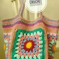crochelinhasagulhas: Bolsa com squares em crochê