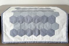 Hexies-how i make them Valance Curtains, Quilts, Blanket, Bed, Projects, Sony, Home Decor, Latest Technology, Pillows