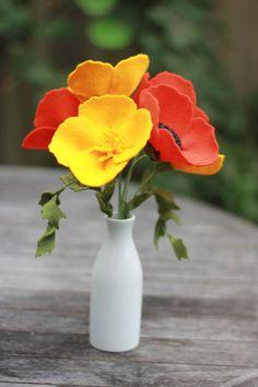 Felt California Poppy Bouquet by TheFeltFlorist on Etsy Poppy Bouquet, Felt Flower Bouquet, Flower Bouquet Wedding, Felt Flowers, Fabric Flowers, Felt Diy, Felt Crafts, Diy And Crafts, Flowers Nature