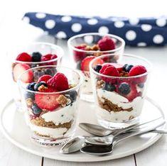 ELTEFRITT FIRKORNSBRØD MED RUG | TRINES MATBLOGG Sour Cream, Panna Cotta, Spicy, Bacon, Cheesecake, Brunch, Food And Drink, Pudding, Cookies