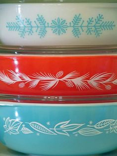 Vintage Pyrex Bowls in Red, Aqua and White