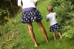 Jak ušít balonovou sukni (druhy / návody) – Caramilla.cz Floral, Skirts, Fashion, Moda, Fashion Styles, Flowers, Skirt, Fashion Illustrations