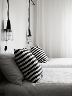 Whether you're placing them in the living room, bedroom, kitchen, hallway or anywhere else in your home, wall lamps always provide beneficial results for your interior décor needs. Here are a few tips on how you can use these lamps to make your home.