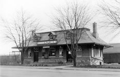 K&P station, Ontario St in Kingston. FBphoto captioned 1949.