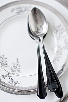 Just a bit of black spray paint on handles of old flatware creates an amazing modern effect