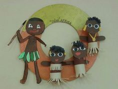 Jižní Afrika Craft Projects For Kids, Diy For Kids, Art Projects, Cultures Du Monde, World Cultures, Tribu Masai, Africa Craft, Harmony Day, Toilet Paper Roll Crafts