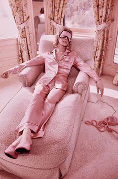 Eva Herzigova wearing silk satin pyjamas, shot by Mikael Jansson for Vogue Paris, March 2016 Pink Fashion, Fashion Week, Fashion Art, Editorial Fashion, Fashion Trends, Beauty Editorial, Style Fashion, Editorial Hair, Fashion Glamour
