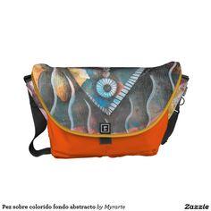 Pez sobre colorido fondo abstracto. Regalos, Gifts. #bolso #bag