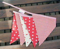 Banderines de tela en tonos tojos para boda o decoración. Wedding Red Stars Bunting banner