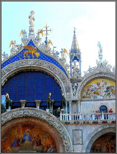 Up close detail of the Basilica di San Marco, in #Venice #Italy The colors are so vibrant!