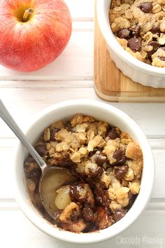 Chocolate Chip Cookie Apple Crumble For Two for a delicious fall treat (apple desserts for two) Mug Recipes, Best Dessert Recipes, Apple Recipes, Fun Desserts, Baking Recipes, Sweet Recipes, Delicious Desserts, Yummy Food, Apple Desserts