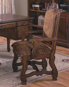 Neo Renaissance Arm Chair | Crown Mark Furniture | Home Gallery Stores