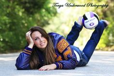 lay next to shot, hammer, and disc. with throwing shoes hanging from feet! Cute Senior Pictures, Senior Photos Girls, Senior Girls, Senior Posing, Senior Girl Poses, Senior Portraits, Volleyball Senior Pictures, Soccer Pictures, Senior 2015