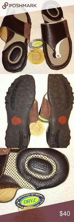 NWT BORN CROUCH SANDALS 13 M/W NWT BORN CROUCH SANDALS 13 M/W Brown Born Shoes Sandals & Flip-Flops