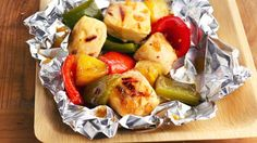 24 No Fuss Foil Packs - Betty Crocker -(Grilled Pineapple-Chicken Kabob Packs) Grilling Recipes, Cooking Recipes, Healthy Recipes, Cooking Corn, Grilling Ideas, Barbecue Recipes, Cooking Ideas, Delicious Recipes, Gastronomia