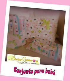 Conjunto para bebé: porta fraldas e creme, bolsa para roupa, porta toalhitas Toy Chest, Creme, Storage Chest, Toddler Bed, Furniture, Home Decor, Baby Set, Towel Holders, Diapers