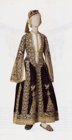 Costume of a noblewoman from Greece. Late-Ottoman style from the Balkans, century. Greek Traditional Dress, Traditional Outfits, Medieval Costume, Folk Costume, Historical Costume, Historical Clothing, Urban Outfits, Fashion Outfits, Empire Ottoman