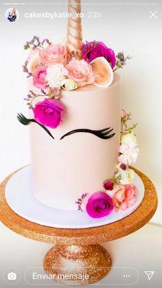 Unicorn Cakes, Classic Cake, Frosting Recipes, Pretty Cakes, Cake Designs, Unicorns, Birthday Cake, Awesome, Desserts