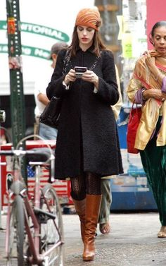 Fall Fashion! Anne Hathaway's chic wardrobe in The Devil Wears Prada is the top reason why the movie is among my fashion favorites! Here are some of the top outfits in the movie...