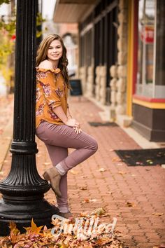 Fall Senior Girl Session in Small Town MissouriYou can find Senior girl poses and more on our website.Fall Senior Girl Session in Small Town Missouri Senior Portraits Girl, Senior Girl Poses, Senior Pictures Boys, Senior Girls, Senior Session, Fall Senior Pics, Downtown Senior Pictures, Senior Posing, Unique Senior Pictures
