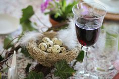 Easter White Cottage, Red Wine, Alcoholic Drinks, Easter, Glass, Food, Wood Grain, Drinkware, Easter Activities