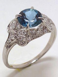 Antique Edwardian Aquamarine Engagement Ring cira 1910