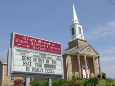 Return of the Church Signs - Even More Crazy and Hilarious Church Signs! Church Sign Sayings, Funny Church Signs, Happy Signs, Fun Signs, Church Readings, Bible Humor, Feeling Ugly, Slide Images, Church Activities