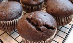 This gluten free chocolate cake recipe continues to impress. My Recipes, Baking Recipes, Real Food Recipes, Cake Recipes, Favorite Recipes, Vegan Recipes, Gluten Free Chocolate Cake, Chocolate Muffins, Chocolate Cupcakes