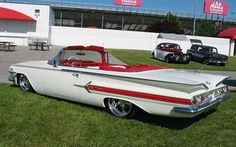 """1960 Chevrolet Impala - Check out those """"fins."""" They just don't make cars this beautiful anymore. 1960 Chevy Impala, Chevrolet Impala, Convertible, Old School Cars, Sweet Cars, Hot Rides, Us Cars, Cute Images, Custom Cars"""