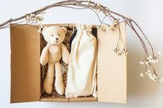 Handmade organic color cotton mini bear one + green maple / orange month organic quilt (random shipping) + high quality kraft paper box Baby Gift Sets, Baby Gifts, Kraft Paper, Organic Cotton, First Love, Bear, Quilts, Mini, Handmade