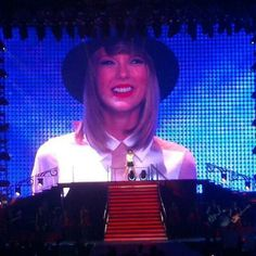"""@TSwiftDailyNews: Taylor opening with State of Grace! She looks happy! #REDTourSignapore #REDTourSG"""