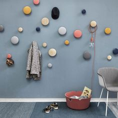 Buy The Dots Coat Hook from Muuto. The Muuto Dots Coat Hooks are produced from high quality wood. The Muuto Dot Coat hooks' sculptured design can be arr. Wooden Coat Hooks, Entryway Coat Hooks, Around The Corner, Wall Hooks, Scandinavian Design, Decoration, Modern Furniture, Dots, Kids Rugs