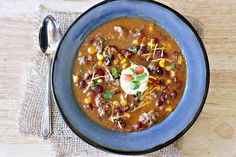 Healthy taco soup is a quick and easy weeknight dinner. This Instant Pot spicy taco soup could not be more delicious. The whole family will love it.they'll have no clue that it's totally Weight Watchers friendly! Healthy Taco Soup, Healthy Baked Snacks, Easy Taco Soup, Healthy Tacos, Healthy Baking, Healthy Banana Pudding, Taco Soup Ingredients, Weight Watcher Taco Soup, Recipe Creator