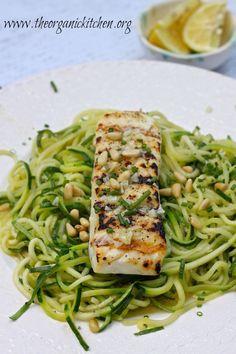 This Lemon Butter Halibut with Zoodles can be made in 15 minutes! Both the halibut and the zoodles take less than 5 minutes to cook. Halibut Recipes, Fish Recipes, Seafood Recipes, Paleo Recipes, Gourmet Recipes, Whole Food Recipes, Cooking Recipes, Gourmet Meals, Seafood Meals