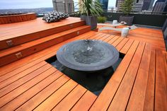 20 Water Feature Designs for Soft Touch in your Garden - Fox Home Design Roof Terrace Design, Deck Design, Landscape Design, Garden Design, Roof Design, Cool Deck, Rooftop Garden, Pergola Garden, Garden Oasis