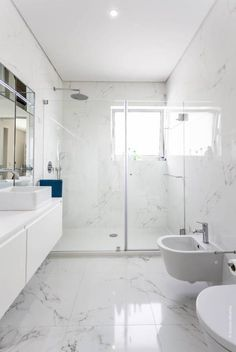 Luxury Bathroom Master Baths Paint Colors is agreed important for your home. Whether you pick the Luxury Master Bathroom Ideas or Luxury Bathroom Master Baths Benjamin Moore, you will make the best Small Bathroom Decorating Ideas for your own life. Bathroom Design Small, Bathroom Interior Design, Modern Bathroom, Bath Design, Office Bathroom, Marble Interior, Sink Design, Design Design, Design Elements