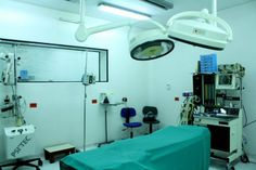 Siluetica Clinic in Guayaquil, Ecuador state of the art, modern, clean clinic. Great staff and team. Image of one of Clinics operating rooms. Call us toll free North America 1-855- ECUAMED or email us at info@ecuamed.com for bookings.