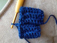 V Stitch Fingerless Gloves Fingerless Gloves Crochet Pattern, Crochet Vest Pattern, Knitted Gloves, Crochet Stitches, Crochet Hooks, Crochet Patterns, Blanket Crochet, Crochet Ideas, Knit Crochet