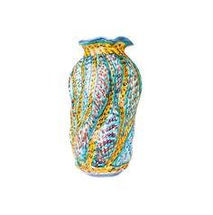 Vaso Tratti. Material: Ceramica.  Dimensioni Altezza :  28cm Larghezza: 15cm Designer: Antonio Robustella