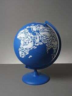 globe made with footprints kyle bean Inventive Hand Crafted Art by Kyle Bean World Globe Map, Globe Art, World Globes, Map Globe, Global Thinking, Fundraising Events, Stop Motion, Trinket Boxes, Three Dimensional