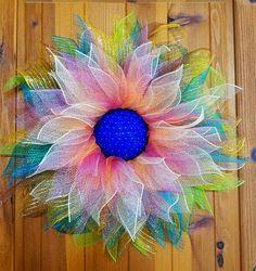 Items similar to Deco Mesh Flower Door Wreath, Wall & House Decor on Etsy Flower Wreaths, Burlap Wreaths, Deco Mesh Wreaths, Diy Flowers, Wreath Crafts, Wreath Ideas, Diy Wreath, Amanda Black, Themed Rooms