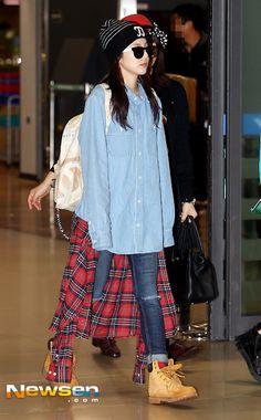 2014: Sandara Park 2NE1 YGFC Taiwan Kpop Fashion, Asian Fashion, Love Fashion, Fashion Beauty, Girl Fashion, Korean Airport Fashion, Sandara Park, 2ne1, Korean Celebrities
