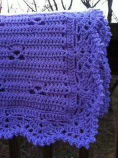 Bebé púrpura/Lap manta de ganchillo por designsbydkd en Etsy