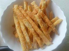 Juhtúrós sajtos rúd recept Hungarian Desserts, Small Cake, Onion Rings, Apple Pie, Rum, Carrots, Bacon, Food And Drink, Sweets